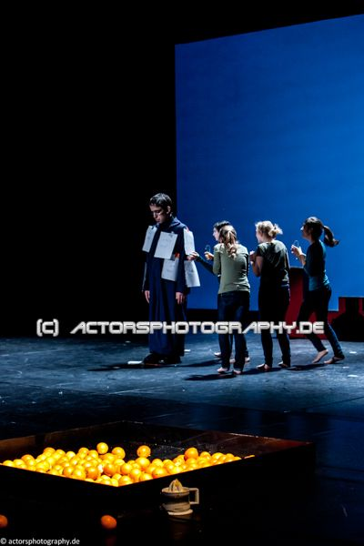 spinatheater_book_of_faces-19